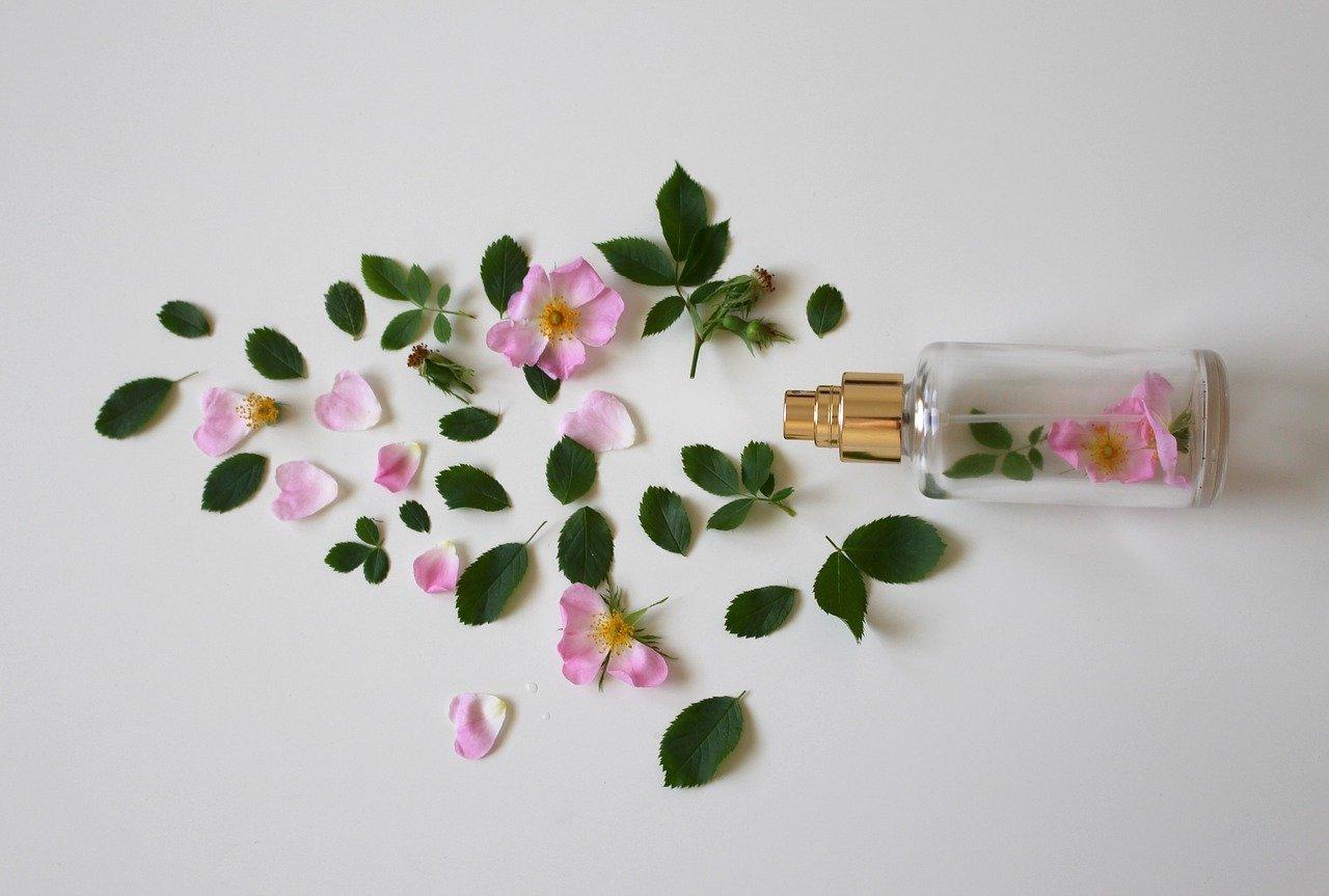 Parfum rose et feuille