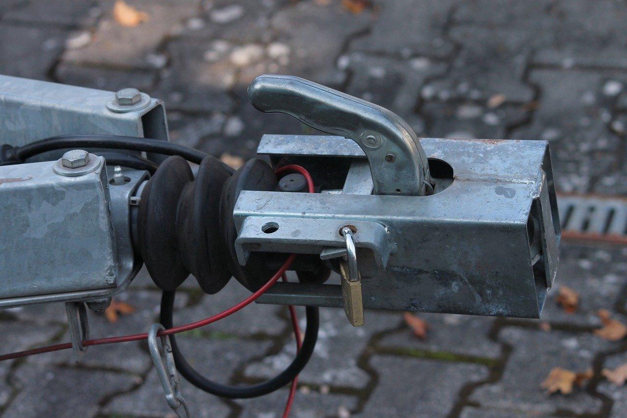 attelage voiture fixation remorque